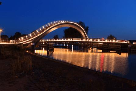 Jasa pembuatan lampu hias jembatan neon flexible