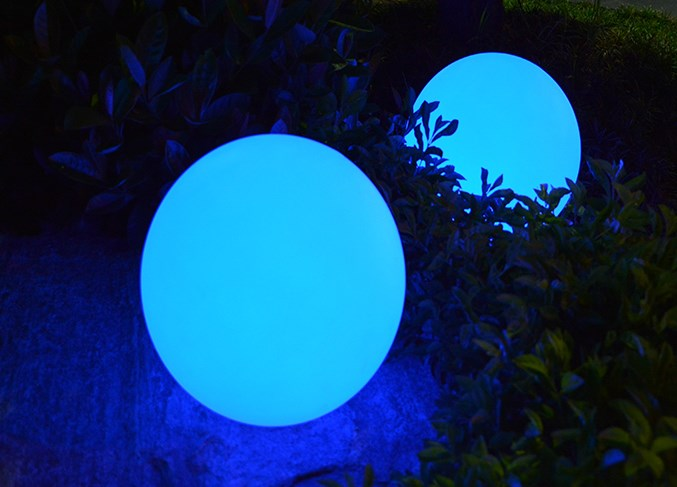 Lampu Bola penhias taman dan halaman